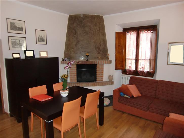 Soluzione Indipendente in vendita a Montevarchi, 4 locali, zona Zona: Levane, prezzo € 128.000 | Cambio Casa.it