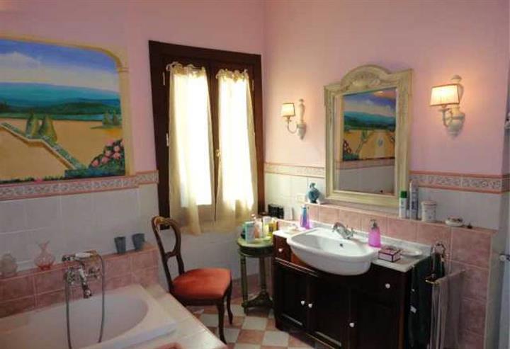 Appartamento in vendita a Montevarchi, 4 locali, zona Zona: Centro, prezzo € 80.000 | Cambio Casa.it