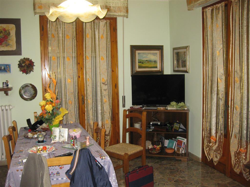Appartamento in vendita a Castelfranco Piandiscò, 4 locali, zona Località: VAGGIO, prezzo € 110.000   CambioCasa.it