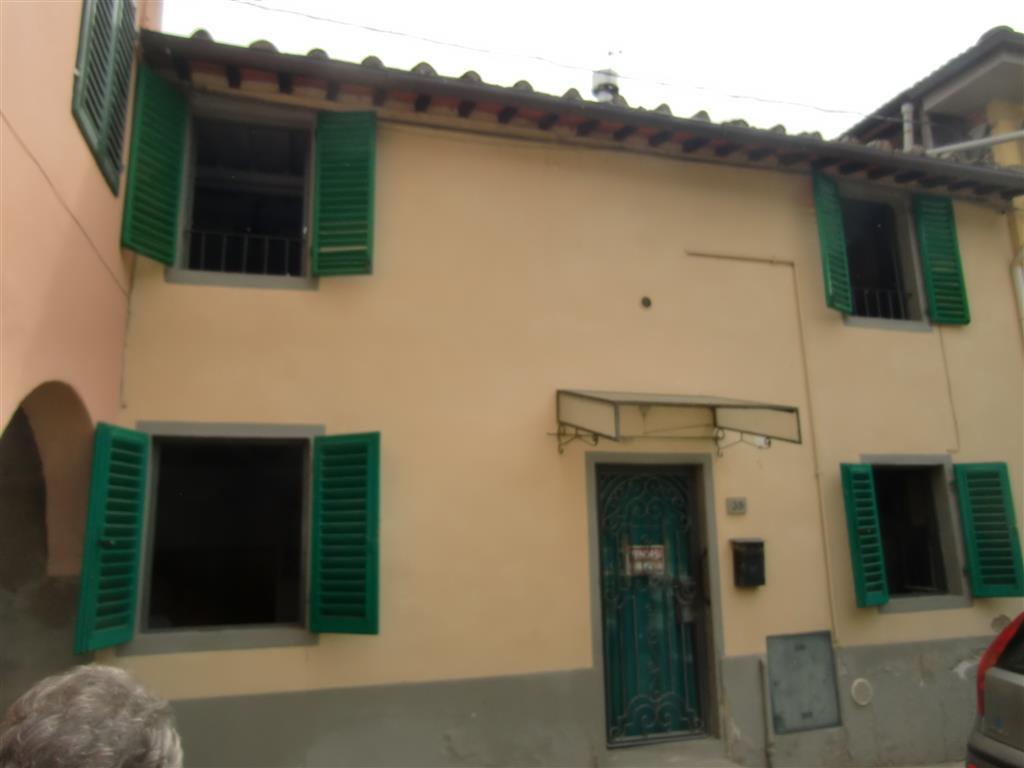 Soluzione Indipendente in vendita a Reggello, 6 locali, zona Località: VAGGIO, prezzo € 120.000 | Cambio Casa.it
