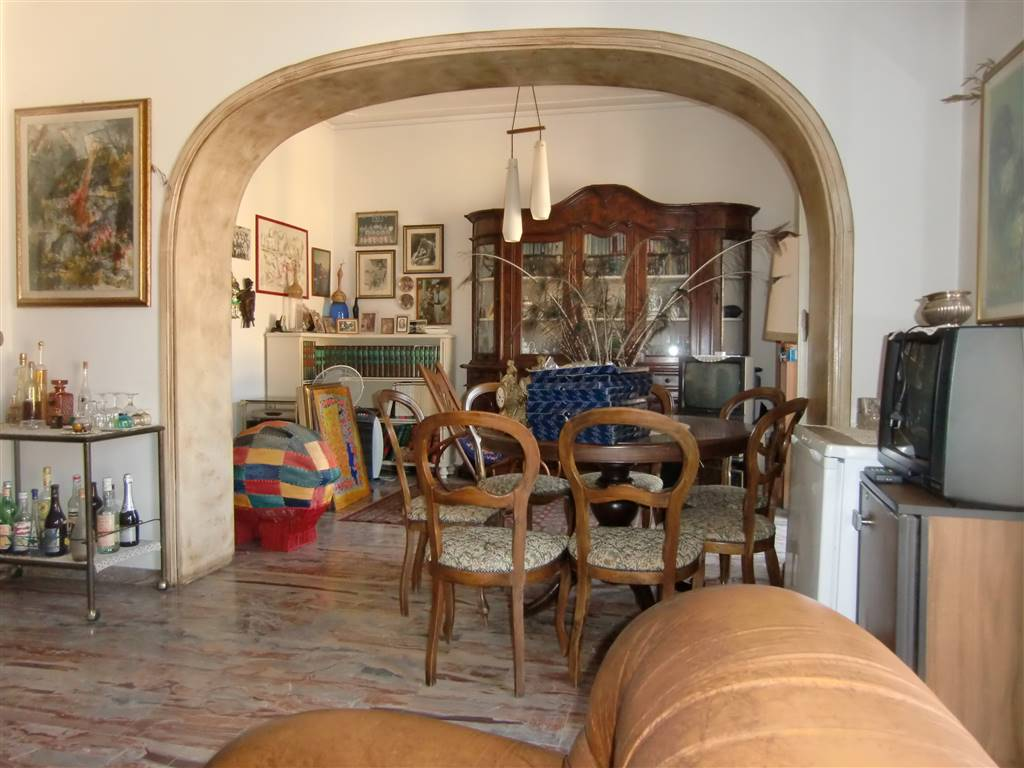 Appartamento in vendita a Terranuova Bracciolini, 5 locali, zona Zona: Centro, prezzo € 156.000 | Cambio Casa.it