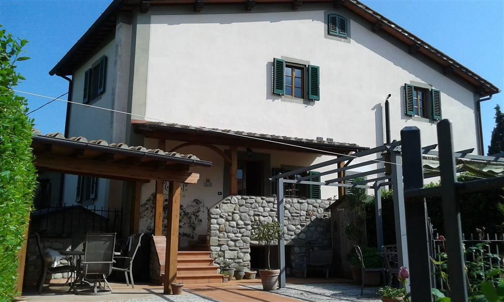 Soluzione Indipendente in vendita a Reggello, 4 locali, zona Località: MONTANINO, prezzo € 275.000 | Cambio Casa.it
