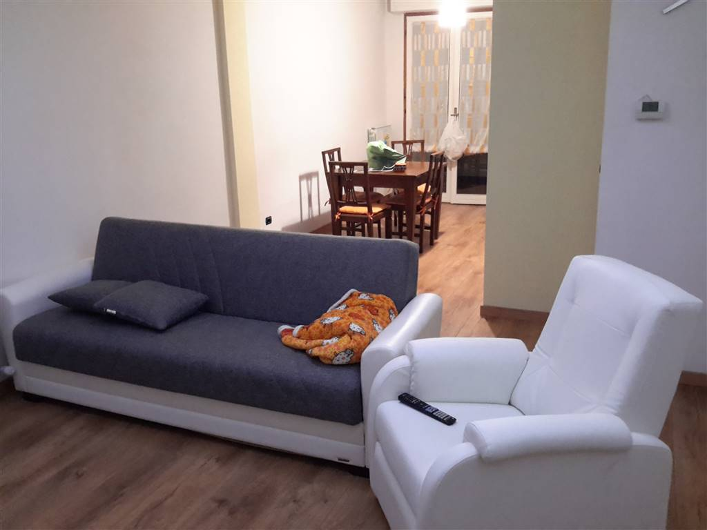 Appartamento in vendita a Cavriglia, 3 locali, zona Zona: Centro, prezzo € 80.000 | CambioCasa.it