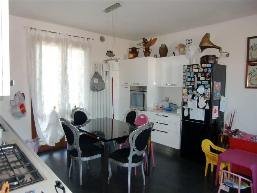 Soluzione Indipendente in vendita a San Giovanni Valdarno, 4 locali, zona Zona: Gruccia, prezzo € 210.000 | CambioCasa.it