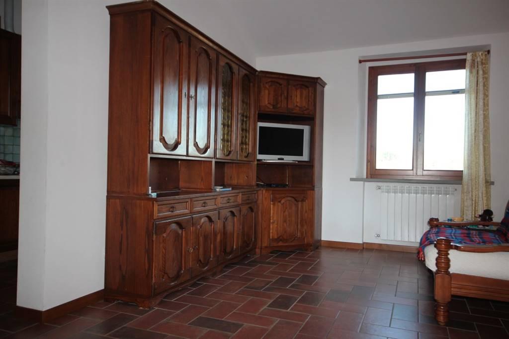 Appartamento in vendita a Cavriglia, 3 locali, zona Zona: Centro, prezzo € 110.000 | CambioCasa.it