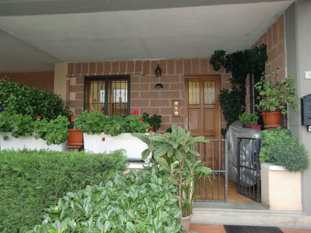 Appartamento in vendita a Figline e Incisa Valdarno, 2 locali, zona Località: LA MASSA, prezzo € 115.000   CambioCasa.it