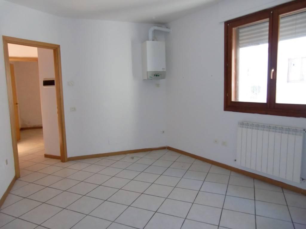 Appartamento in vendita a Montevarchi, 3 locali, prezzo € 78.000 | Cambio Casa.it