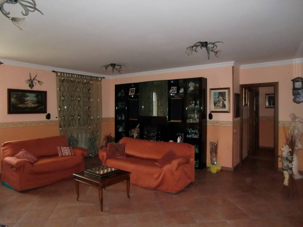 Appartamento in vendita a Cavriglia, 5 locali, zona Zona: Santa Barbara, prezzo € 225.000 | CambioCasa.it