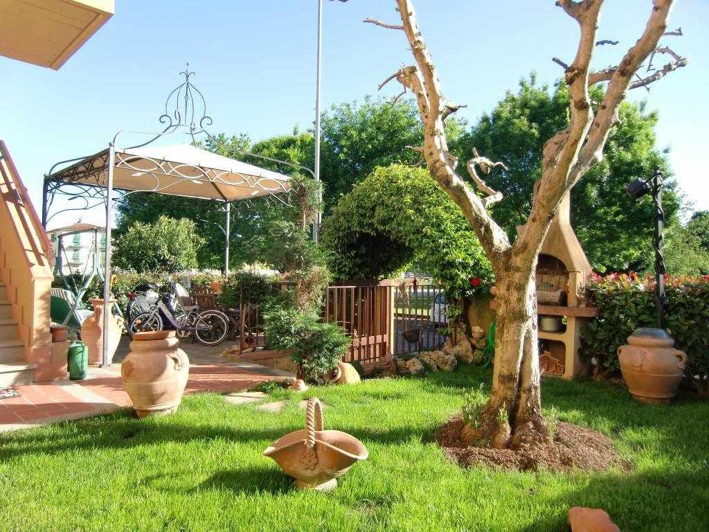 Appartamento in vendita a Reggello, 4 locali, zona Località: MATASSINO, prezzo € 180.000 | Cambio Casa.it
