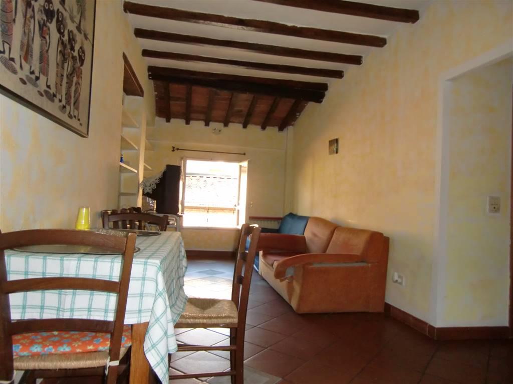 Appartamento in vendita a San Giovanni Valdarno, 3 locali, zona Zona: Centro, prezzo € 78.000   CambioCasa.it