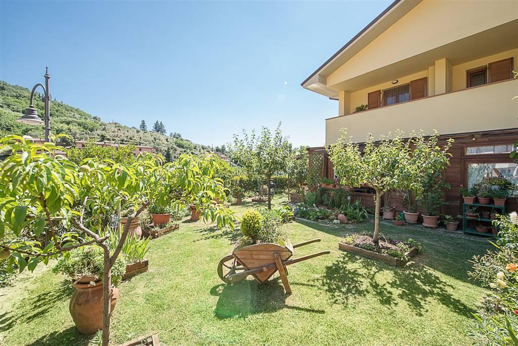 Soluzione Indipendente in vendita a Reggello, 3 locali, zona Zona: Centro, prezzo € 155.000 | Cambio Casa.it