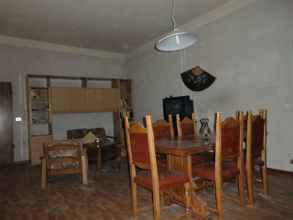 Appartamento in vendita a Figline e Incisa Valdarno, 3 locali, zona Località: CENTRO, prezzo € 59.000   CambioCasa.it
