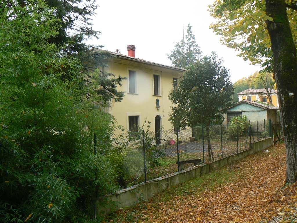Soluzione Indipendente in affitto a Rieti, 6 locali, prezzo € 2.000   Cambio Casa.it