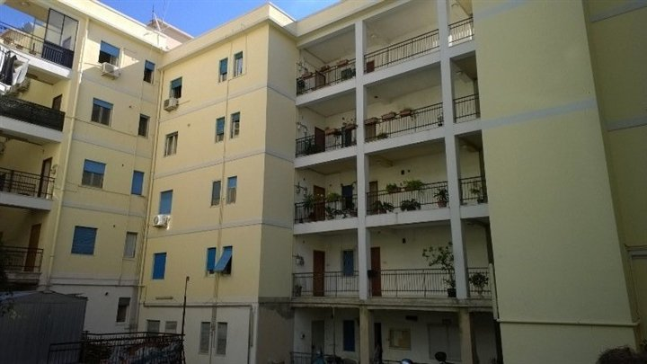 Quadrilocale in Viale Annunziata, Annunziata Bassa, Messina