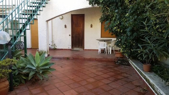 Villa a schiera in Via Mezzasalma, Rometta