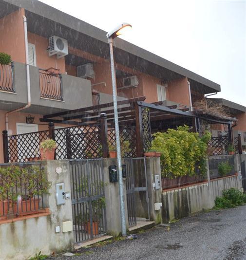 Villa a schiera in Santa Lucia Sopra Contesse, Sud, Messina