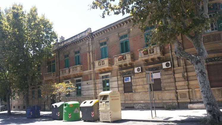 Quadrilocale in Via Garibaldi, C. Storico: Duomo, Via Garibaldi, C.so Cavour, Messina