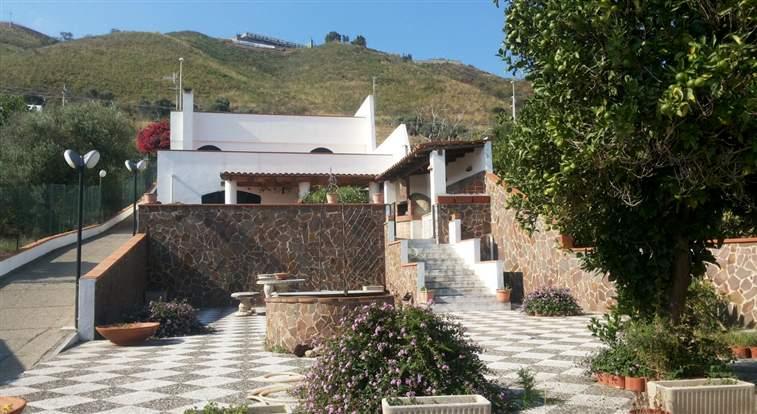 Villa, Nord, Messina