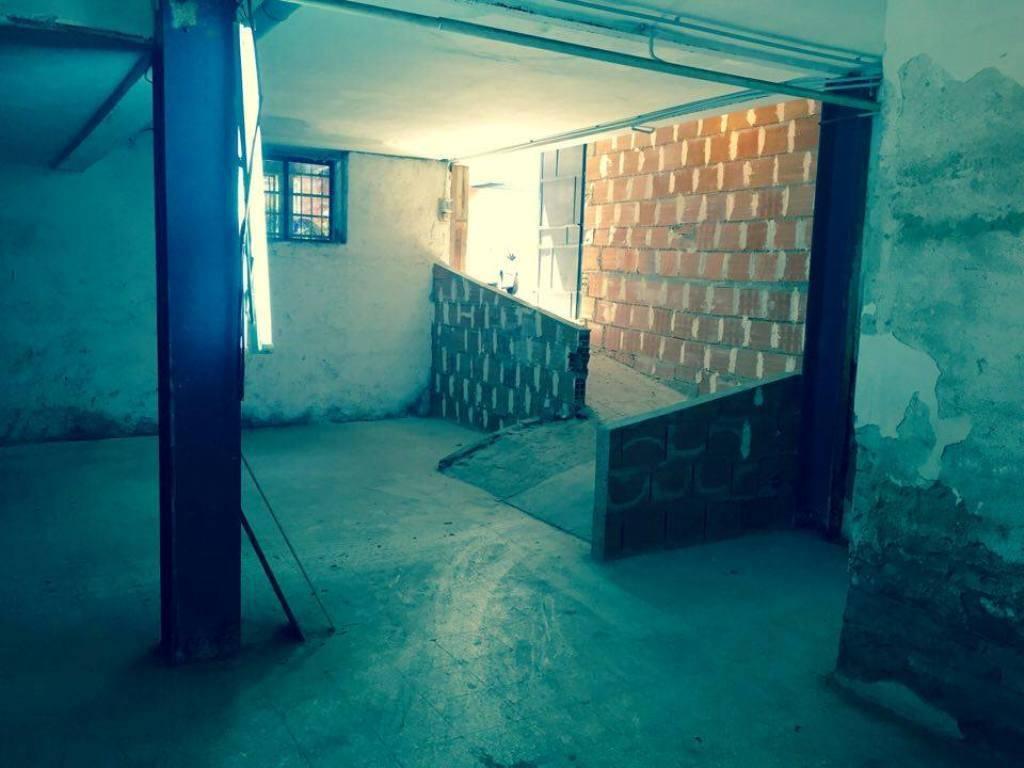 magazzino-deposito  in Affitto a Messina