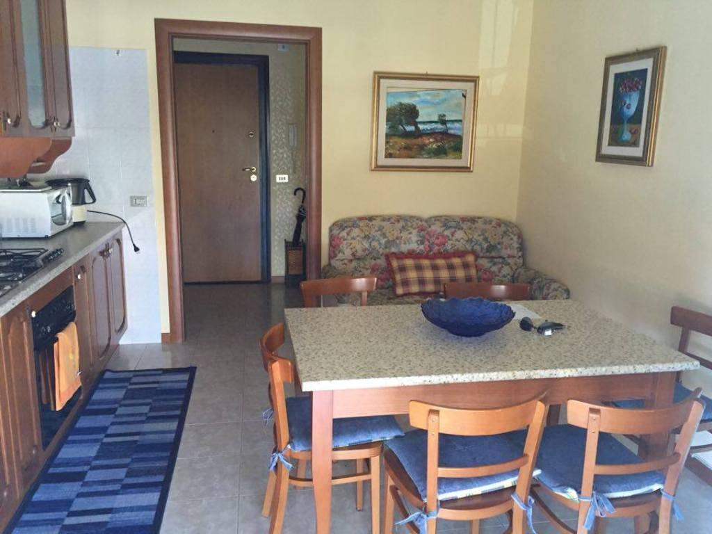 Appartamento in vendita a Monforte San Giorgio, 3 locali, zona Località: MONFORTE MARINA, prezzo € 115.000 | CambioCasa.it