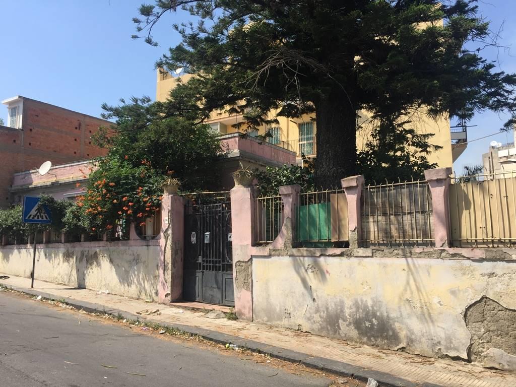 Soluzione Indipendente in vendita a Messina, 5 locali, zona Località: CAMARO, prezzo € 200.000 | CambioCasa.it