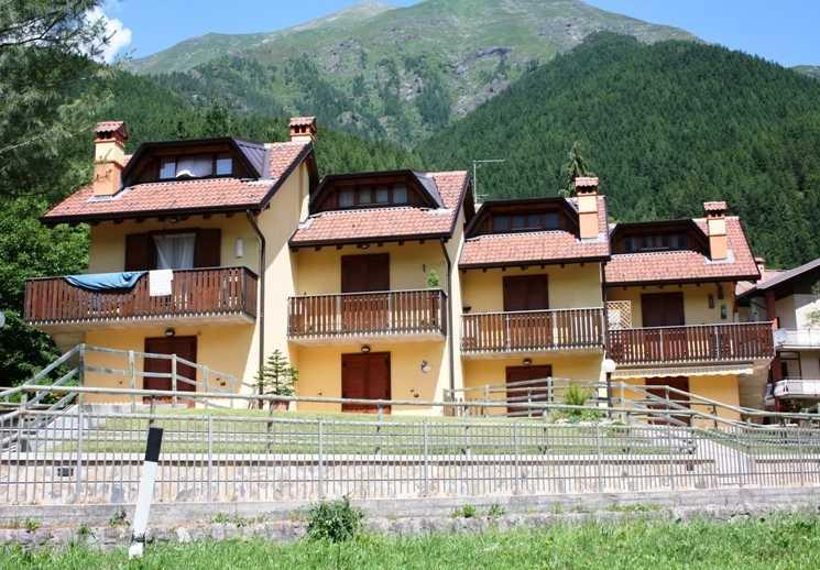 Appartamento in vendita a Schilpario, 3 locali, zona Zona: Barzesto, prezzo € 99.000 | Cambio Casa.it