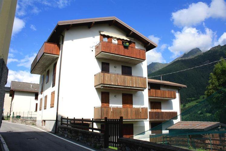 Appartamento in vendita a Schilpario, 3 locali, zona Zona: Pradella, prezzo € 65.000 | Cambio Casa.it