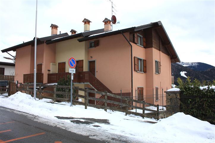 Appartamento in vendita a Vilminore di Scalve, 4 locali, zona Località: VILMINORE PAESE, prezzo € 169.000 | Cambio Casa.it