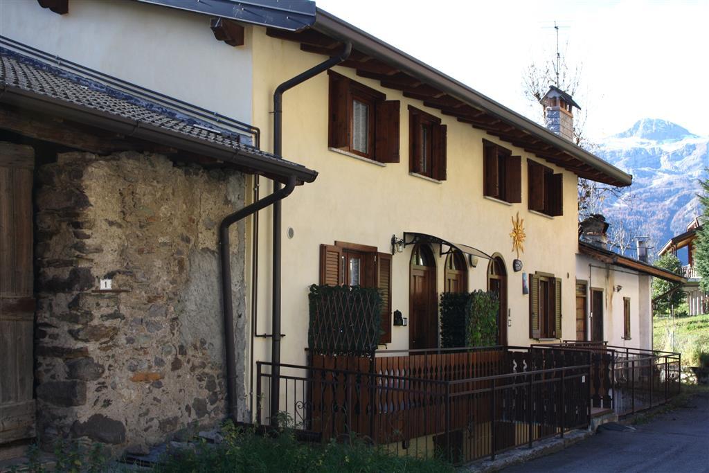 Appartamento in vendita a Vilminore di Scalve, 3 locali, zona Località: VILMAGGIORE, prezzo € 110.000 | Cambio Casa.it