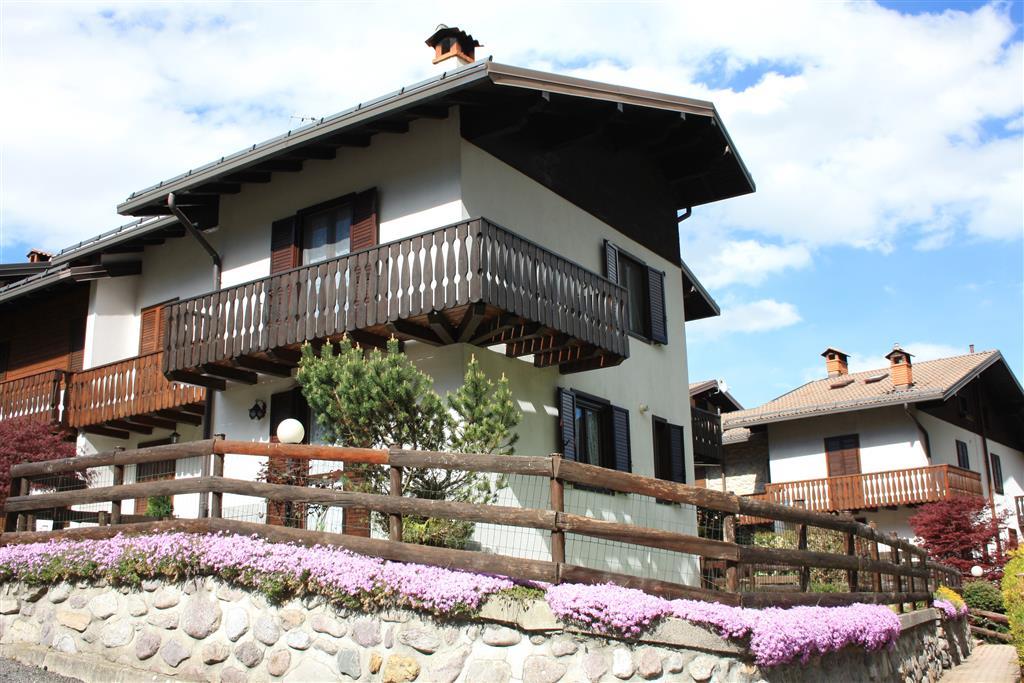 Villa a Schiera in Vendita a Colere