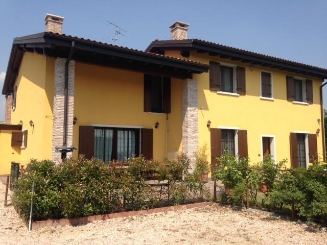 Villa in vendita a Zevio, 8 locali, prezzo € 360.000 | Cambio Casa.it