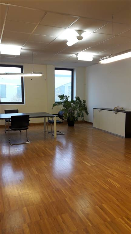 Ufficio / Studio in vendita a Villafranca di Verona, 2 locali, prezzo € 248.000   Cambio Casa.it