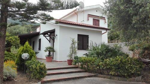 Villa in vendita a Cefalù, 6 locali, prezzo € 600.000 | CambioCasa.it