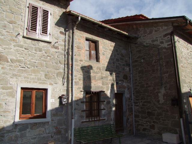 Soluzione Indipendente in vendita a San Godenzo, 2 locali, zona Zona: Casale, prezzo € 40.000   Cambio Casa.it