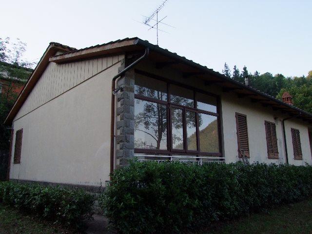 Villa in vendita a Londa, 6 locali, prezzo € 340.000 | Cambio Casa.it