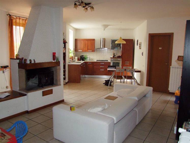 Soluzione Indipendente in vendita a Londa, 4 locali, prezzo € 230.000 | Cambio Casa.it