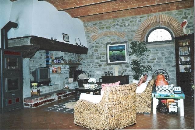 Soluzione Indipendente in vendita a Rufina, 4 locali, zona Zona: Scopeti, prezzo € 420.000 | Cambio Casa.it