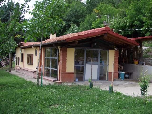 Villa in vendita a Dicomano, 4 locali, zona Zona: Corella, prezzo € 230.000 | Cambio Casa.it
