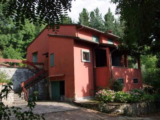 Villa a LONDA 9 - Vani  - Garage - Giardino