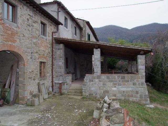 Soluzione Indipendente in vendita a Dicomano, 12 locali, prezzo € 580.000 | Cambio Casa.it