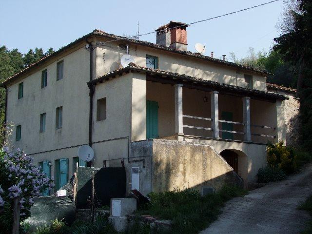 Soluzione Indipendente in vendita a Londa, 41 locali, zona Zona: Caiano (Chiesa), prezzo € 160.000 | Cambio Casa.it