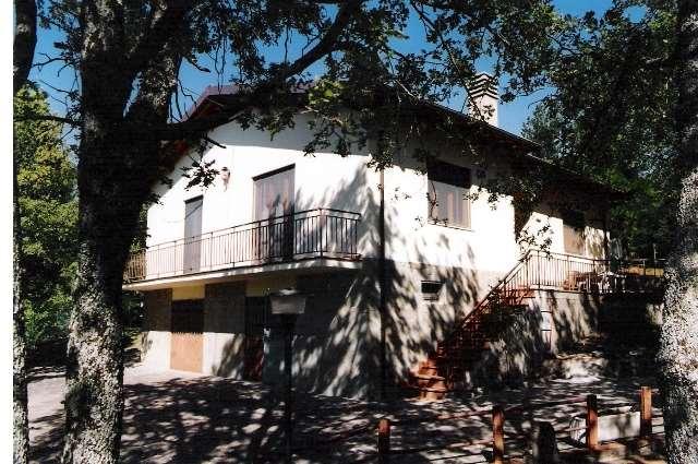 Villa in vendita a Londa, 5 locali, zona Zona: Rincine, prezzo € 190.000 | CambioCasa.it