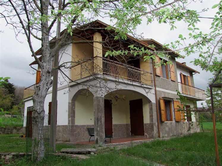 Soluzione Indipendente in vendita a Pontassieve, 9 locali, zona Zona: Santa Brigida, prezzo € 650.000 | CambioCasa.it