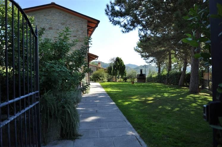 Rustico / Casale in vendita a Dicomano, 22 locali, zona Zona: Corella, prezzo € 720.000 | Cambio Casa.it