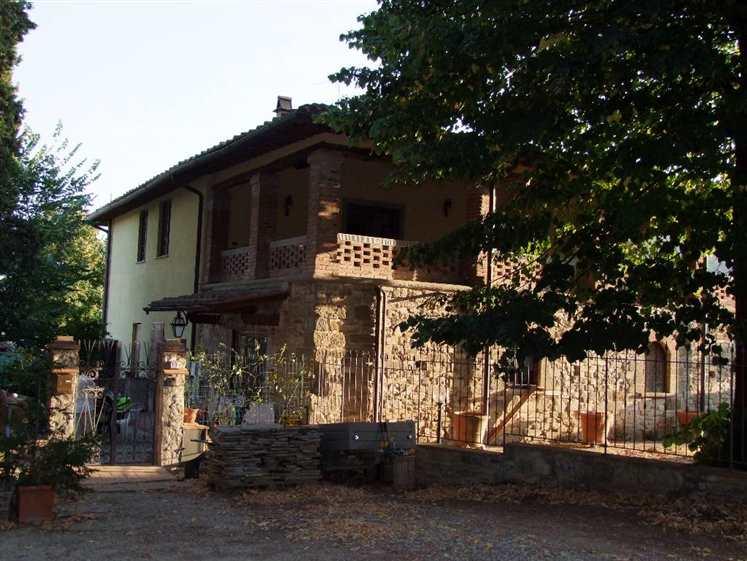 Colonica a PONTASSIEVE 3 Vani - Giardino