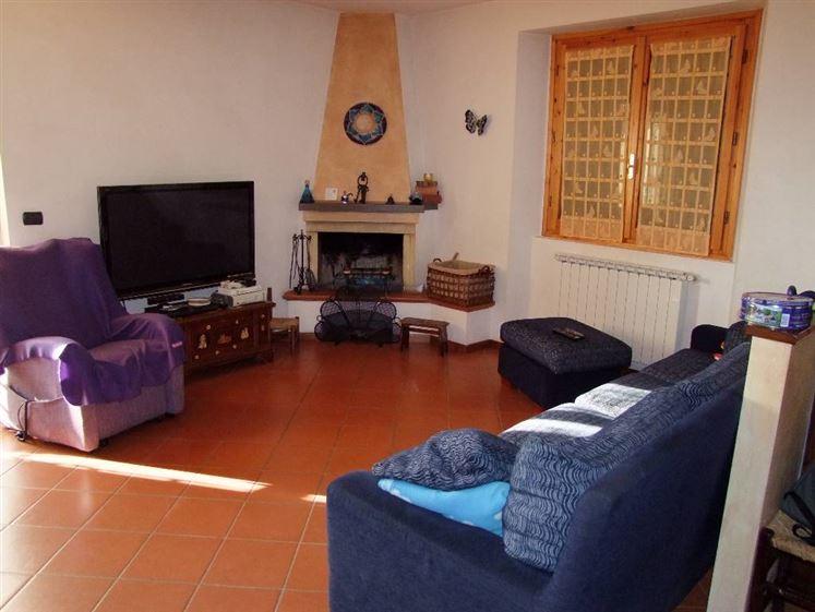 Villa in vendita a Pontassieve, 4 locali, prezzo € 375.000 | Cambio Casa.it