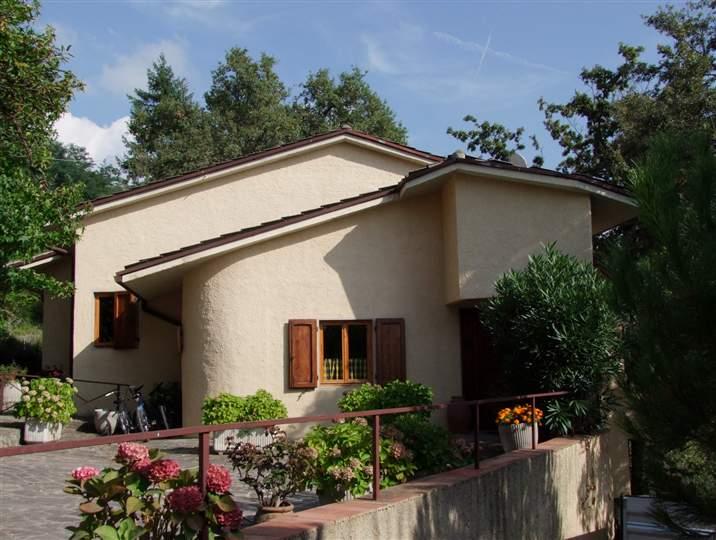 Villa a LONDA 5 Vani - Garage - Giardino