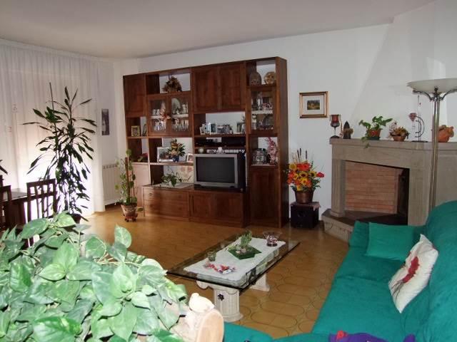 Appartamento in vendita a Londa, 4 locali, prezzo € 140.000 | Cambio Casa.it