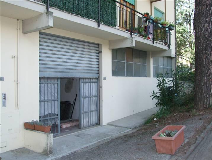 Immobile Commerciale in affitto a Dicomano, 2 locali, prezzo € 650 | CambioCasa.it