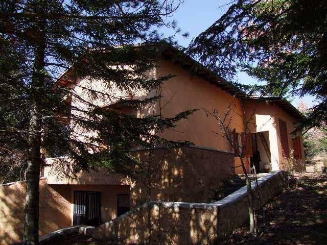Villa in vendita a Londa, 6 locali, prezzo € 240.000 | CambioCasa.it